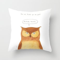 This owl thinks you're great Throw Pillow