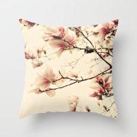 Magnolia skies Throw Pillow