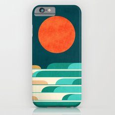 Chasing wave under the red moon iPhone 6 Slim Case