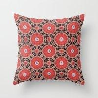 Kalei Naranja Throw Pillow
