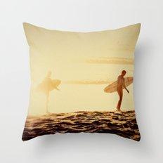 california dreamin'  Throw Pillow