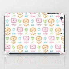retro flowers iPad Case