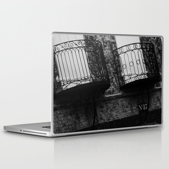 No 37 Laptop & iPad Skin