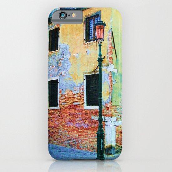 L'edificio è Felice iPhone & iPod Case