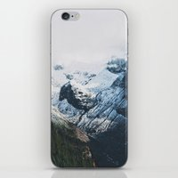 Mount Rainier Winter Val… iPhone & iPod Skin