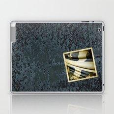 Quebec (Canada) grunge sticker flag Laptop & iPad Skin