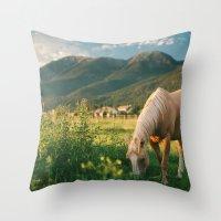 Pretty Horse Eating Gras… Throw Pillow