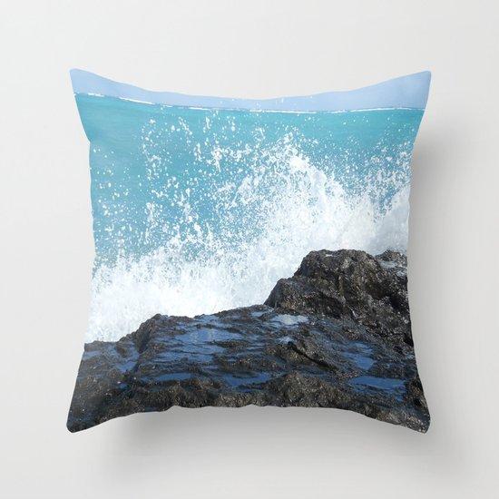 Oahu: Splash 2 Throw Pillow