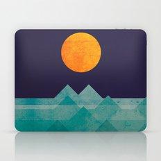 The Ocean, The Sea, The … Laptop & iPad Skin