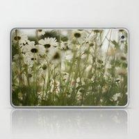 White Daisies :) Laptop & iPad Skin