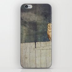 Whoo Goes There? iPhone & iPod Skin