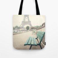 Paris in the rain Tote Bag