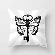 The Key Of Liberty (自由) Throw Pillow
