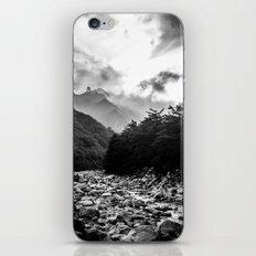 Seoraksan - Black And Wh… iPhone & iPod Skin