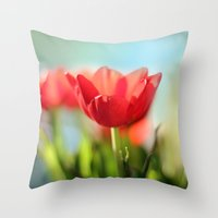 RED TULIPS IN THE SUN Throw Pillow