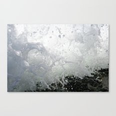 Wave crashes Canvas Print
