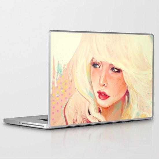 Meuf blonde Laptop & iPad Skin