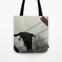 No fences can hold me Tote Bag