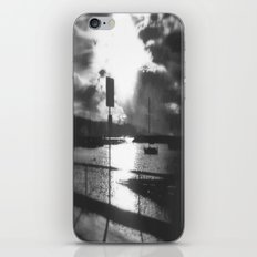 Morning awakes the Harbour iPhone & iPod Skin