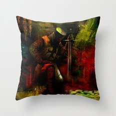 The prayer of the Knight Templar Throw Pillow