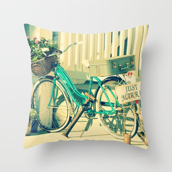 Just Married! Throw Pillow