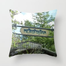 Metropolitain Throw Pillow