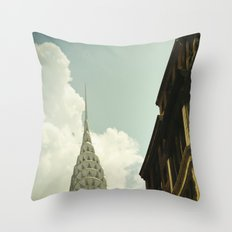 The city of the fighting styles Throw Pillow