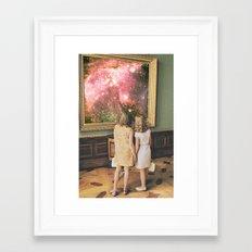 Su bella distancia Framed Art Print