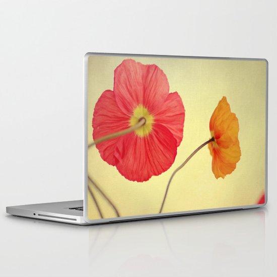 Les Jolies Fleurs Laptop & iPad Skin