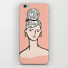 fille portant cheveux iPhone & iPod Skin
