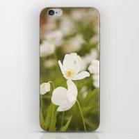 Tiny Flower iPhone & iPod Skin